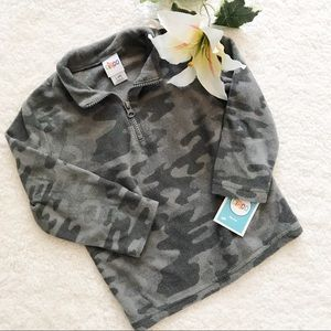 ! CIRCO Gray Camo Half Zip Fleece